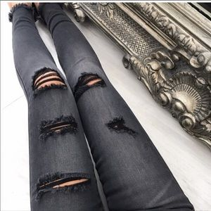 Ekattire Kancan black distressed jeans